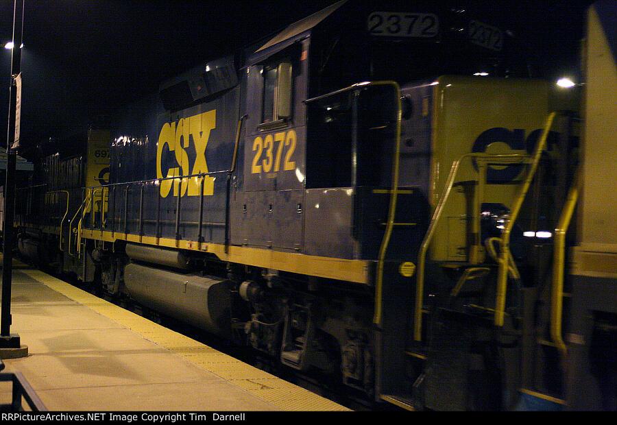 CSX 2372 on Q409